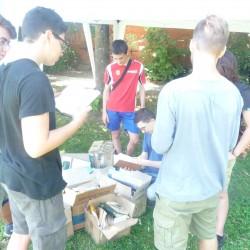 Fiera del Baratto 2015 - volontari al lavoro