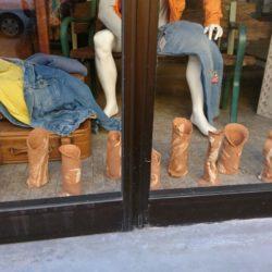 Esposizione ceramica dei richeidenti, dress again